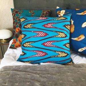 Seng med mønstrede puder Duna, Malaka og Abena - fra Mitomito