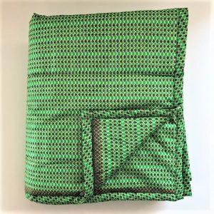Vattæppe Bekka i skønt grønt print fra Mitomito