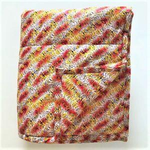 Billede af vattæppe Elina i rød/gul/sort/hvidt mønster - fra MitoMito
