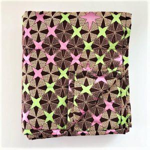Vattæppe Allie i fint stjernemønster i lyserøde/grønne/brune nuancer - fra Mitomito