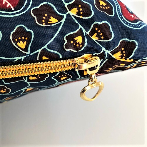 Pude Dora Rex med fin guldfarvet lynlås - fra Mitomito