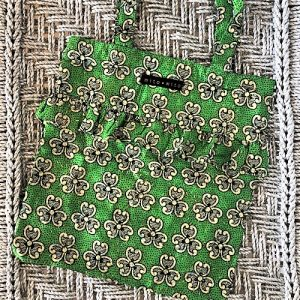Flæsenet Silla i fint grøn farve med guld detaljer fra Mitomito