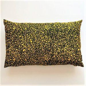 Pude Amina 39x64 cm i skøn gul farve fra Mitomito