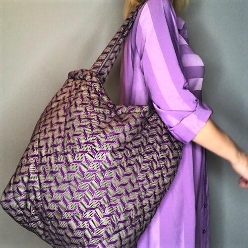 Shopper Dara med lilla print fra Mitomito