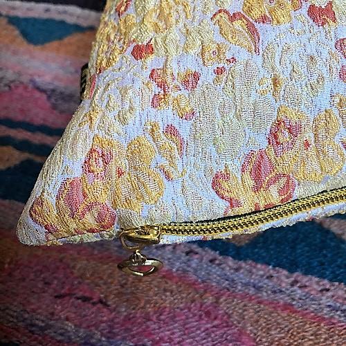 Celia pude i gule nuancer fra Mitomito